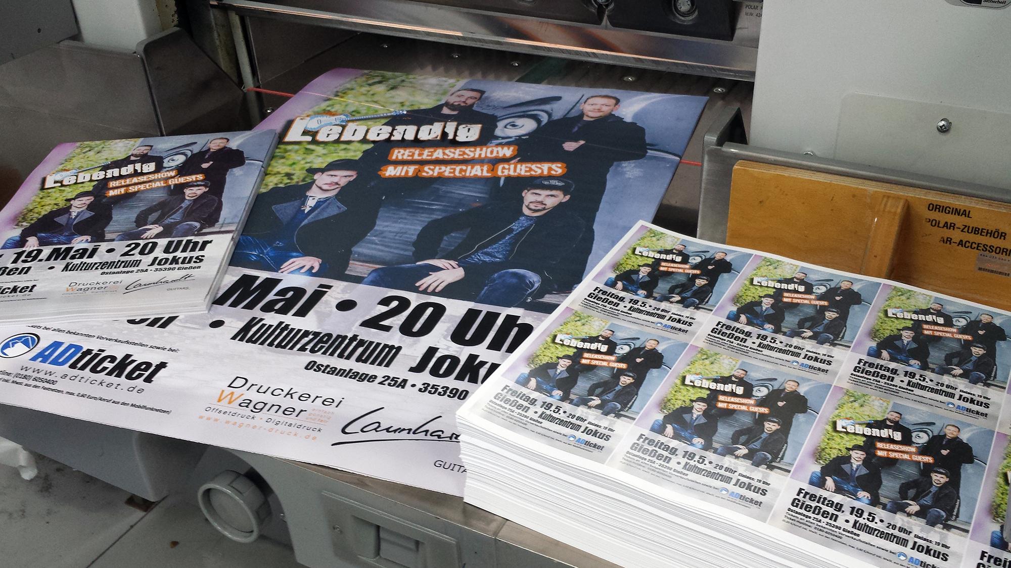 Plakate und Flyer in verschiedenen Größen von Druckerei Gießen